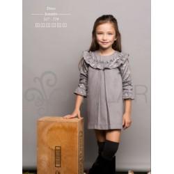 Vestido gris con estrellitas